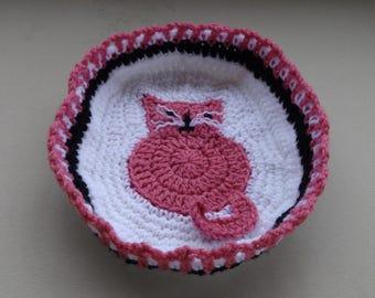 Kitty Motif Basket Crochet Pattern
