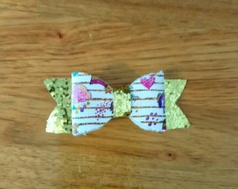 Unicorns and shooting stars hair bow