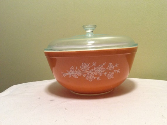 Vintage Pyrex Large Mixing Nesting Bowl with Lid Cinderella