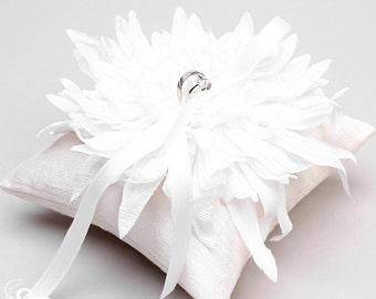 White ring pillow, flower ring bearer, ring holder, ring pillow wedding - Evelyn