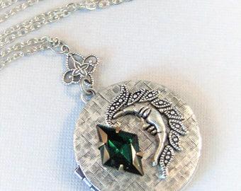 Emerald Moon,Vintage Emerald,Moon Locket,Moon Necklace,Vintage,Green Necklace,Emerald Necklace,Green Locket,Emerald,Goddess Necklace,Emerald