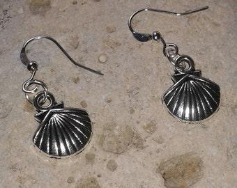 Silver Shell charm Earrings