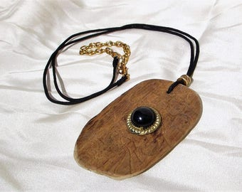 pendant necklace of carved wood and Black Pearl