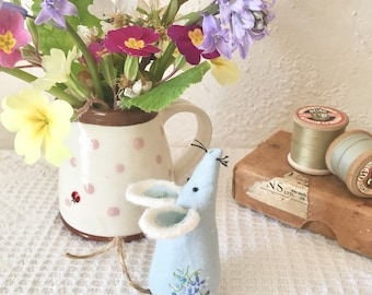 Lavender mouse/mothers day gift/felt mouse/decoration / Vintage fabric mice/ handmade mouse/ felt animal