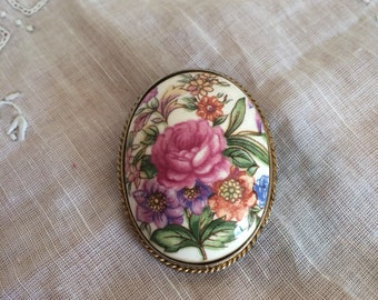 Beautiful vintage ceramic floral brooch pin  pink roses