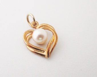 Gold Tone Heart with Faux Pearl Vintage Pendant