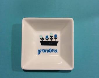 Grandma Ring Dish| Grandma personalized gift| Grandma Gift| Personalized Gifts for Grandma-Jewelery Holder Jewelery Dish