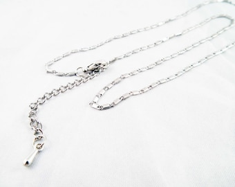 PU105 - Delicate necklace plated silver chain of 42cm rectangle patterns with lobster clasp chain extension