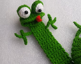 Frog Bookmark, Crochet frog bookmark, Crochet bookmarks, Green frog bookmark, Book Lover Gifts, Gifts For Readers, Frog Page Marker, Gift