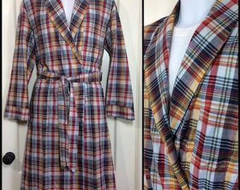 1960s deadstock plaid light weight cotton long belted robe size medium yellow gray red white smoking jacket loungewear by Luxurobe NOS