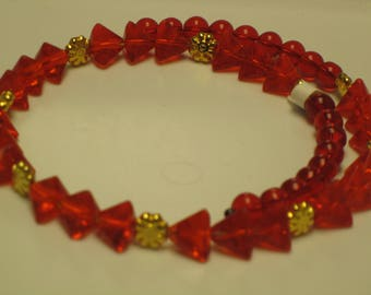 "Red Triangle & Round Glass Beads with Gold Stars or Snowflakes Necklace 17-1/4"" Long. Valentine's Day, Love, Memory Wire, Holiday"