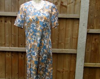 Mod mini dress . 60s shift dress . Retro dress . Mod dress, Floral print dress . Floral shift dress . VTG Summer dress . Vintage day dress