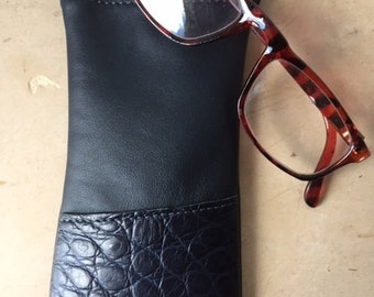 Navy + genuine leather glasses case matte crocodile