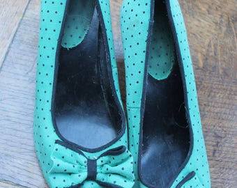 Green black polka dot shoes size 5 REF 571
