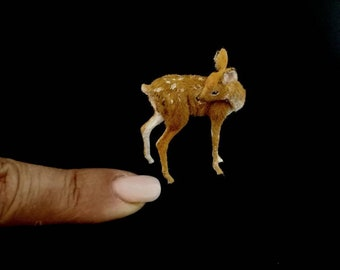 Miniature Dollhouse 1:12  fawn (leaking) by Woolytales Miniatures
