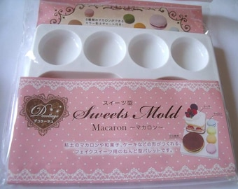 Padico Deco Sweets Mould / Mold / Palette. Larger sized cakes, pancakes and macaroons.