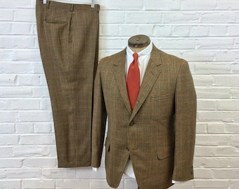 Vintage 1970s 1980s 3 Roll 2 Vibrant Glen Plaid 2pc Suit. Size 40/42 35x29