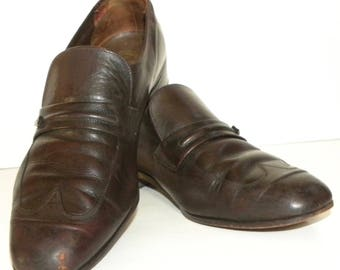 Vintage Florsheim Shoes / Brown Leather Slip on with wing tip toe / Loafer Oxford / MOD Preppie / Men's size 7 / Women size 9