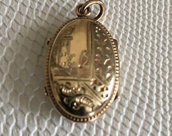 Victorian or Georgian Locket Hair Memento Mourning Gold Filled
