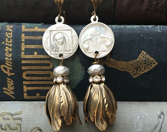 Heavenly tulips: vintage assemblage earrings, vintage style, boho fashion