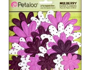 Set of 18 paper flowers, violet Petaloo scrapbooking embellishment *.