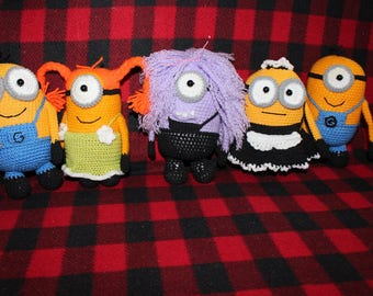Minions/The Ugly Me/toys/toon/Minions knitted two colors patchwork/cartoon characters/cheerful gift/original gift/Birthday to children