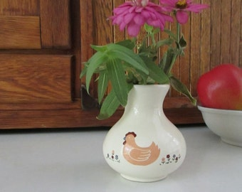 Small Tan Chicken Ceramic Vase – Hen and Flowers Country Style Vase – Vintage Pottery