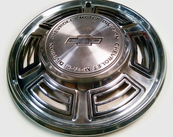 Vintage 1970 Chevy Chevelle and El Camino Hubcap Hub Cap Wheel Cover - Chevrolet Car Part Wall Hanger - Automotive Wall Decor - Classic Car