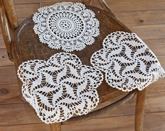 Vintage hand crocheted doilies set of 3/ Cotton serviette/ Table napkin overlay/ Soviet/ Handmade doilies/ 70s