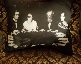 Seance pillow