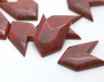 Vintage Cabochons Lucite Red White Faux Stone Arrow Cabs Flatbacks 18mm (12)