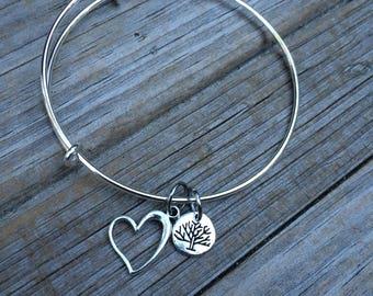 Family Tree bracelet, Heart Bracelet, Tree Bracelet, Love Bracelet, Charm Bangle, Charm bracelet, Stacking Bracelet, Gifts for Mom