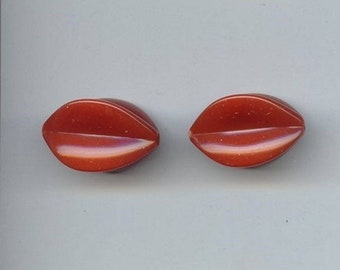 12 Vintage Rust Acrylic 29x18mm. Fluted Oval Beads 5766
