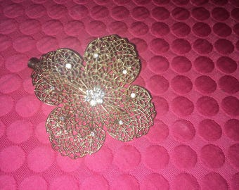 Ladies Beautiful Golden Flower Hair Clip
