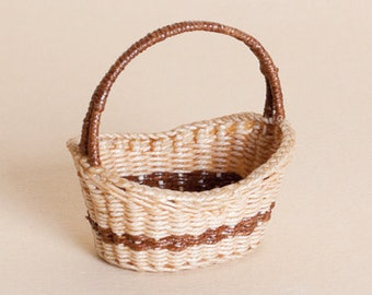 Dollhouse miniature, Wicker shopping basket, scale 1 : 12, WC/104