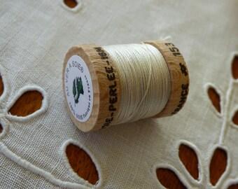 Spool of 16 meters of silk beaded No. 153