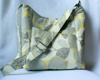 Cross Body Tote Bag with Front Pockets in Optic Blossom: Yellow, Gray and Ivory
