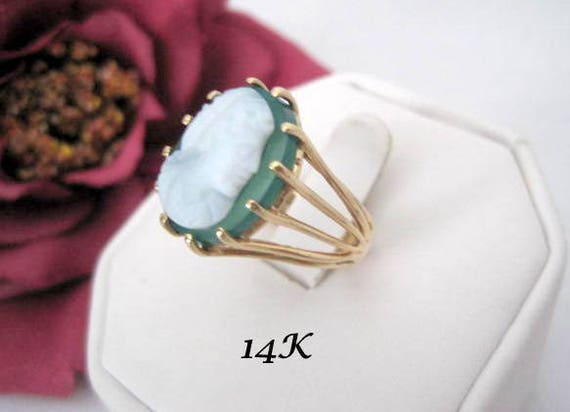 14K Gold Cameo Ring, Green Chalcedony, Cocktail Ring,  Size 7.5