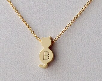 Personalized Initial,Gold Cat Necklace, Personalized Initial Cat Necklace,tiny Cat pendant necklace, best friend gift, Bridesmaids Gift.