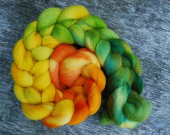 Hand-dyed Polwarth Roving | Green to Yellow to Orange Gradient - 100g