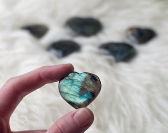 Natural Polished Labradorite Crystal Heart Worry Stone Home Decor Rock Stone Minerals Gemstones Free Form