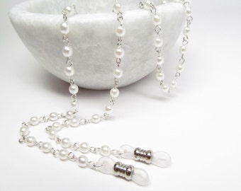 White pearl eyeglasses chain - Mother of the Bride gift - reading glasses - glasses chain - glasses leash, glasses holder, eyeglass necklace