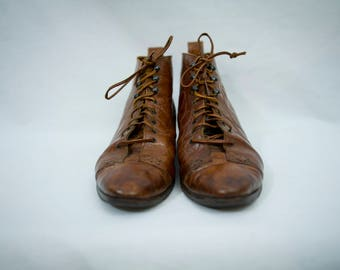 Gorgeous 80's leather boots size 7.5