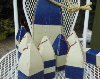 Wooden Lobster Buoys Wedding or Shower Table Set with 8 Favors