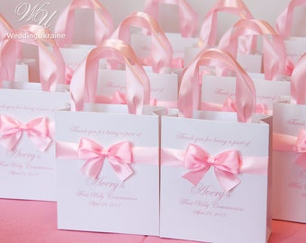 20 First Communion favors Gift Bags with satin ribbon, bow and your name - Custom 1st Communion gift for girls or boys - Elegant gifts
