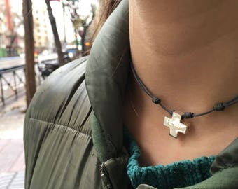"""Collar con Cruz de Plata """"Hope"""""""