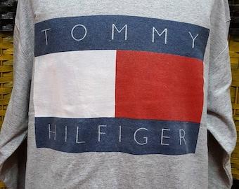 Vintage TOMMY HILFIGER / Big logo / Very nice designed / Medium size on tag (R039)