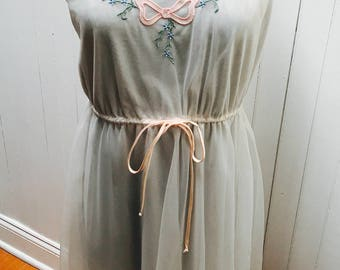 Vintage 1960s White Pink and Blue Bow and Flower Detail Chiffon Nightie/Nightgown - Size Petite/Small