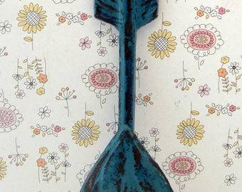Arrow Hook Cast Iron Boho Wall Hook Shabby Elegance Lagoon Teal Aqua Blue Distressed Single Coat Jewelry Leash Scarf Hat Towel Keys Hook