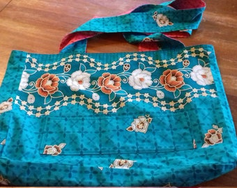 Large reversible bag made of Wax